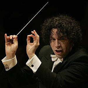 dudamel-conducts